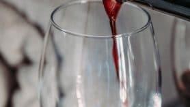 boire verre vin reims unsplash