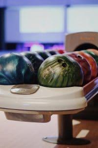 boules bowling reims unsplash